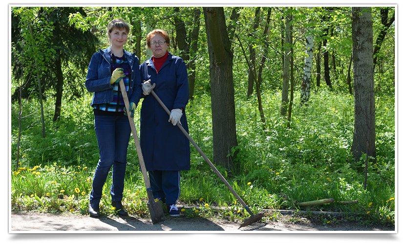 Работники культуры Славянска сегодня вышли на субботник (фото) - фото 5