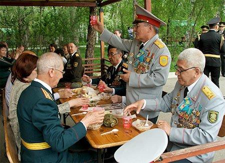 Защитников Родины поздравили с Днем Батыра, фото-8