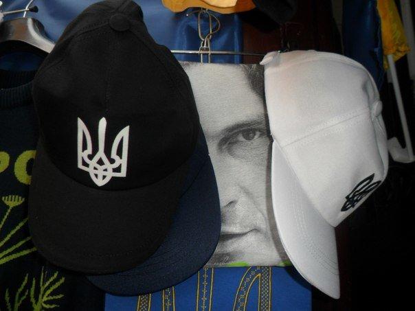 У Львові продають футболки із зображенням Кузьми Скрябіна (ФОТО) (фото) - фото 1