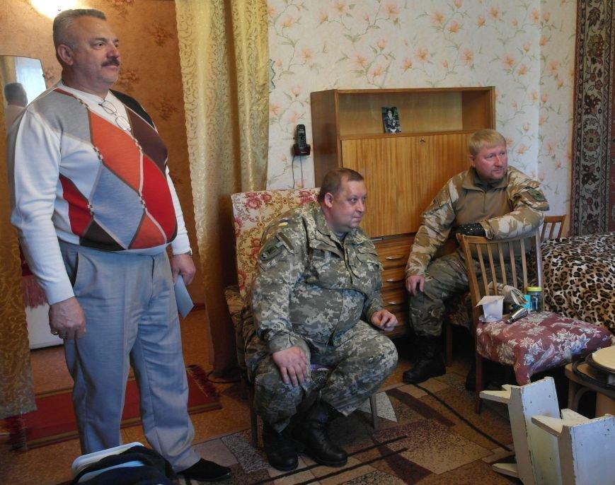 В Красноармейске ко Дню Победы ветераны получили подарки от Красноармейско-Селидовского ОГВК (фото) - фото 7