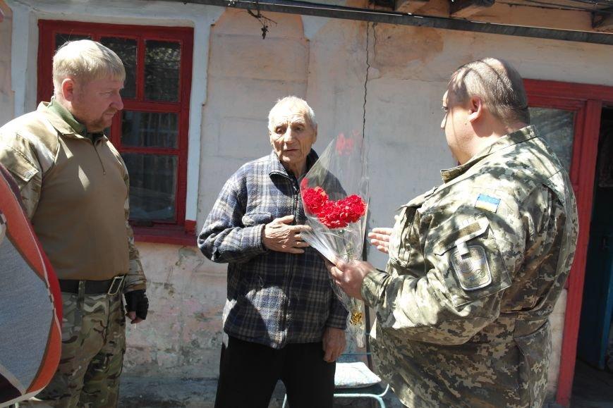 В Красноармейске ко Дню Победы ветераны получили подарки от Красноармейско-Селидовского ОГВК (фото) - фото 9