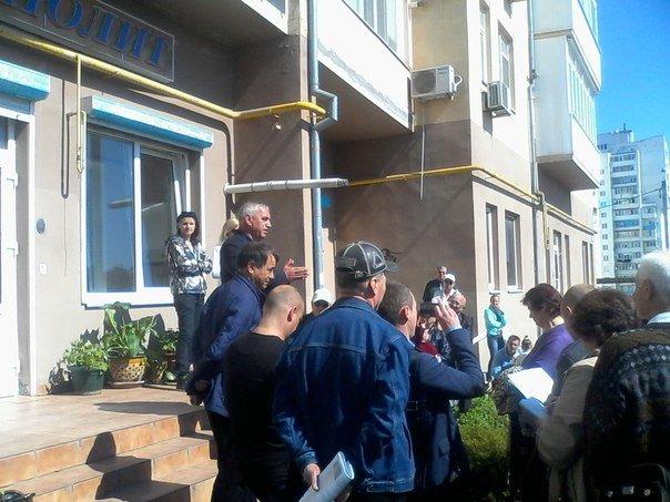 На очередной встрече с Гуляевым были указаны точные сроки сдачи домов ЖК «МНОЛИТ» (фото) - фото 1