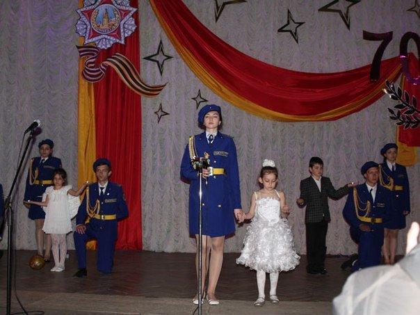 В Макеевке состоялся праздничный концерт, посвященный Дню Победы (фото) - фото 1