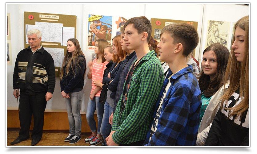 В славянском краеведческом музее открылась выставка к Дню Победы (фото) - фото 2