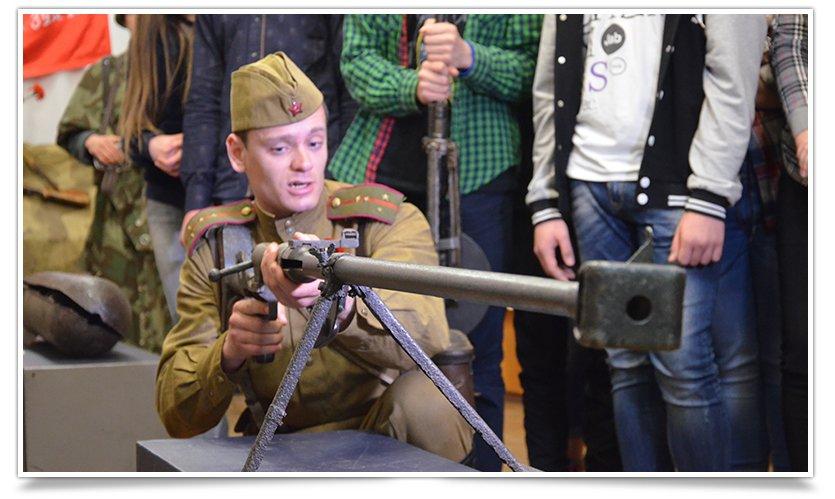 В славянском краеведческом музее открылась выставка к Дню Победы (фото) - фото 10