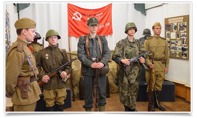 В славянском краеведческом музее открылась выставка к Дню Победы (фото) - фото 3