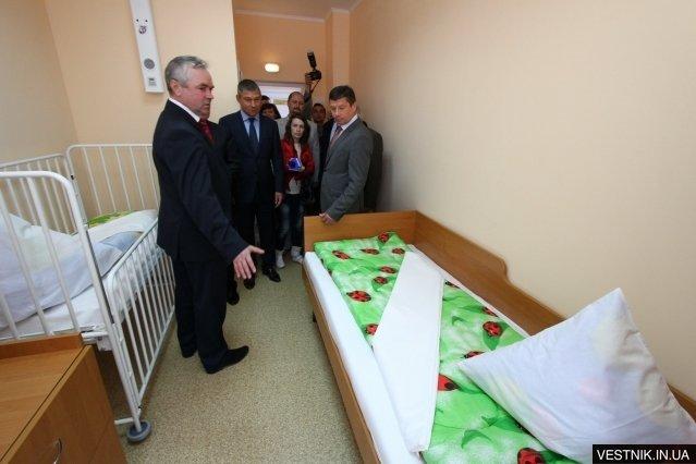 Сегодня в детской больнице Кременчуга было открыто обновлённое педиатрическое отделение младшего возраста, фото-1