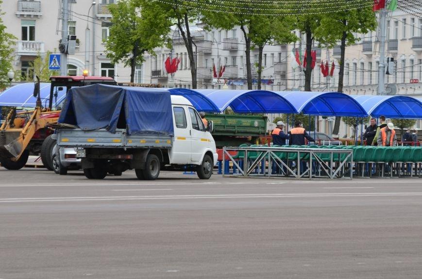 В Гомеле на центральной площади вовсю идет подготовка к праздничному концерту на 9 мая, фото-2