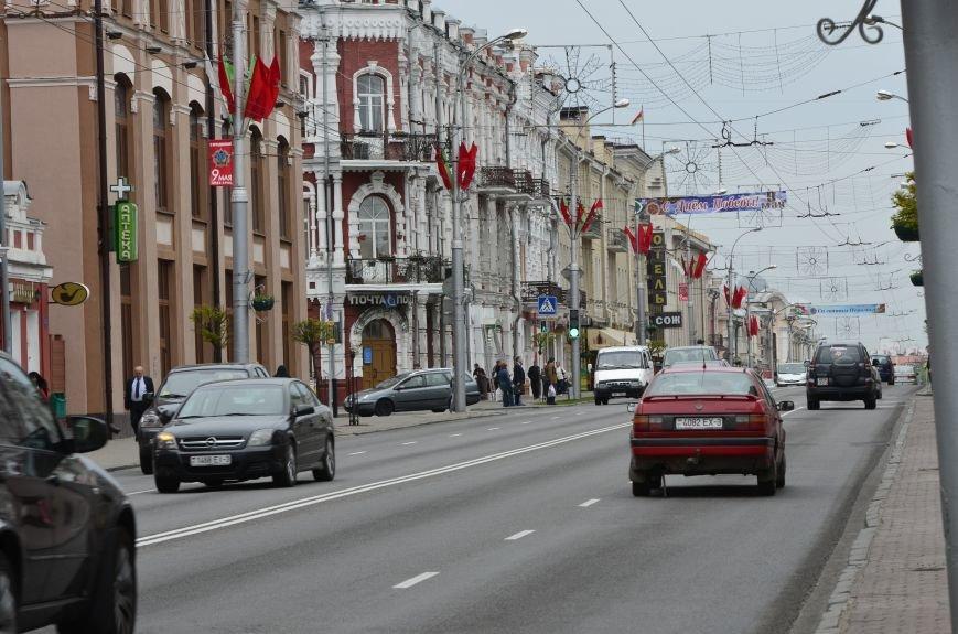 В Гомеле на центральной площади вовсю идет подготовка к праздничному концерту на 9 мая, фото-5