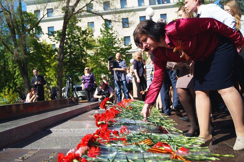 В Белгороде на Соборной площади зажгли вечный огонь (фото) - фото 9