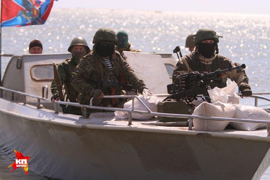 В Азовском море морской спецназ боевиков «Тайфун» тренируется на берегах «Меотиды»(ФОТО) (фото) - фото 1