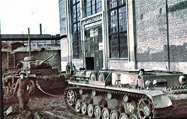 Промышленность Мариуполя в годы Второй мировой: заводы таки выплавляли сталь, появился частный бизнес, а землю отдали крестьянам (фото) - фото 1