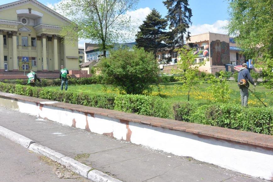 Коммунальным службам в Енакиево будут помогать волонтеры «Зеленого центра» (2)