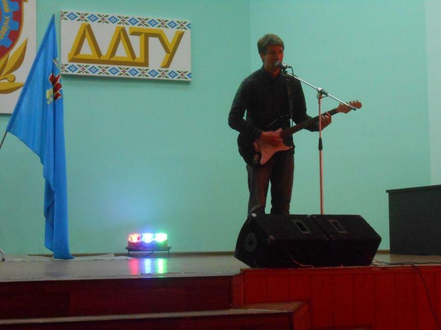 В Днепродзержинском государственном техническом университете состоялся концерт, посвященный Дню Победы (фото) - фото 9