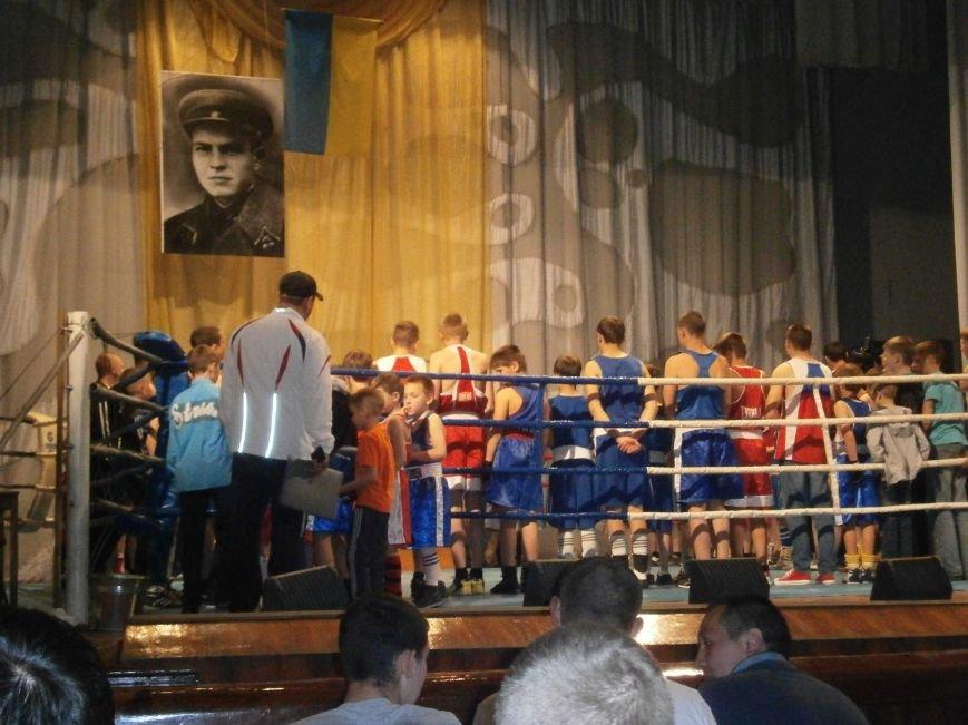 В Димитрове стартовал Областной турнир по боксу, посвященный Дню Победы (ОБНОВЛЕНО+ФОТО) (фото) - фото 1