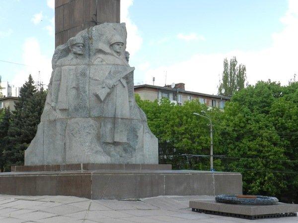 Заказать памятник спб бердичев изготовление памятников смоленск электросталь