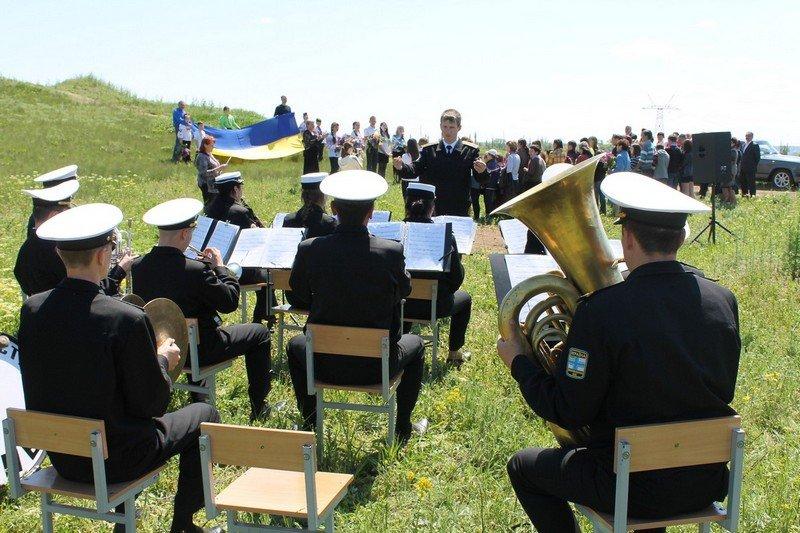 Николаевские моряки со школьниками возложили цветы к памятнику неизвестному солдату (ФОТО) (фото) - фото 4
