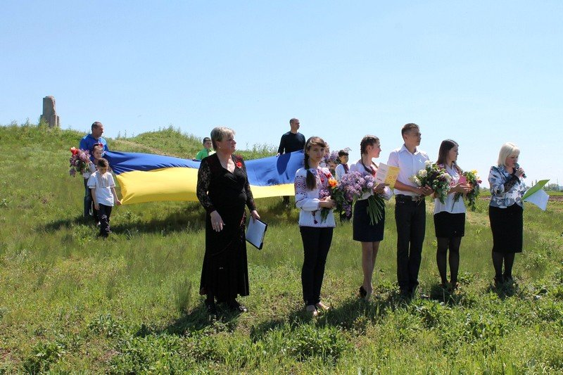 Николаевские моряки со школьниками возложили цветы к памятнику неизвестному солдату (ФОТО) (фото) - фото 3