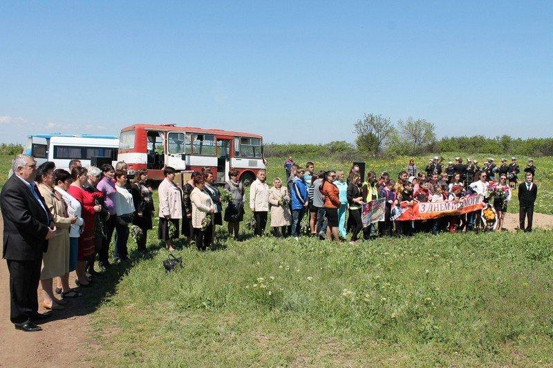 Николаевские моряки со школьниками возложили цветы к памятнику неизвестному солдату (ФОТО) (фото) - фото 5
