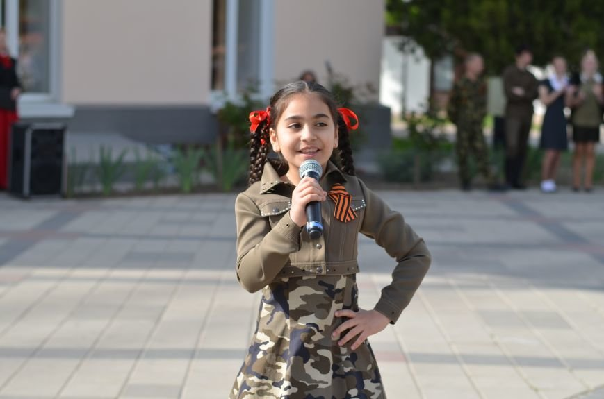 В центре Симферополя прошел бал Победы (ФОТОРЕПОРТАЖ), фото-9