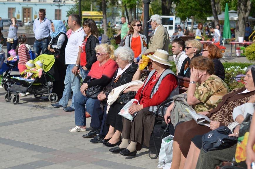 В центре Симферополя прошел бал Победы (ФОТОРЕПОРТАЖ), фото-7