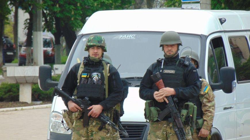 В Мариуполе за неделю совершено убийство, 7 грабежей и 60 граж (ФОТО) (фото) - фото 1