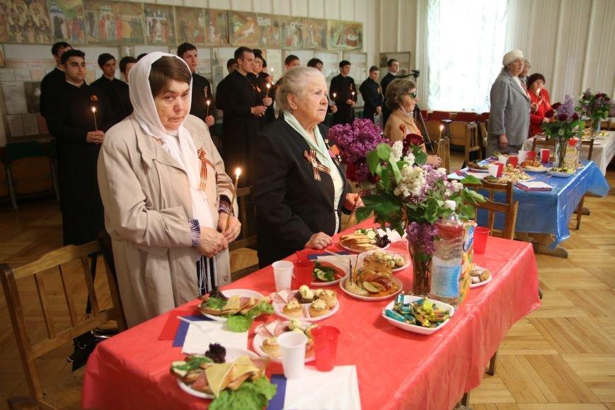 В Симферополе ветераны вместе с митрополитом Лазарем помолились о воинах, павших в годы войны (ФОТО), фото-7