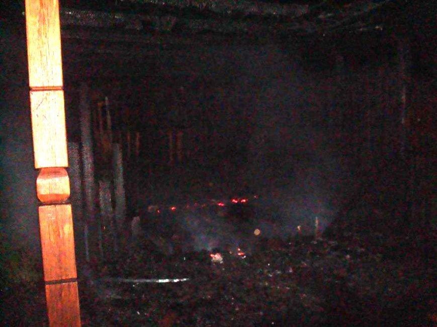 В Полтавской области сгорел выставочный зал (ФОТО) (фото) - фото 2