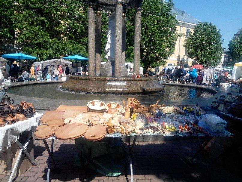 В Івано-Франківську відкрився «Прикарпатський вернісаж» (ФОТОРЕПОРТАЖ) (фото) - фото 1