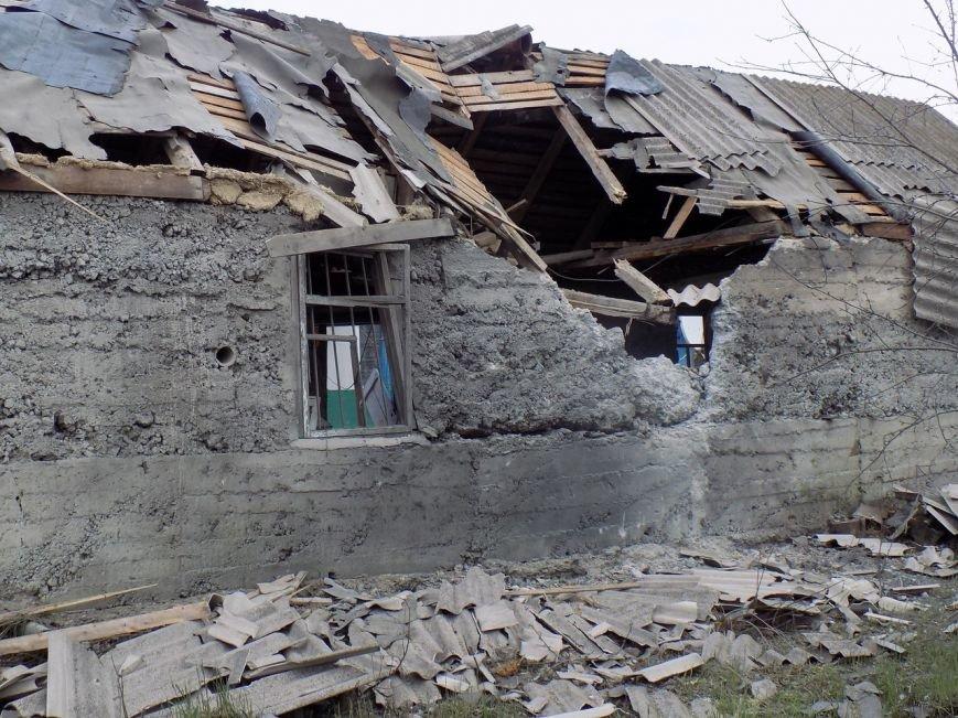 Поселок Верхняя Крынка после обстрела 5 мая (фото) (фото) - фото 10