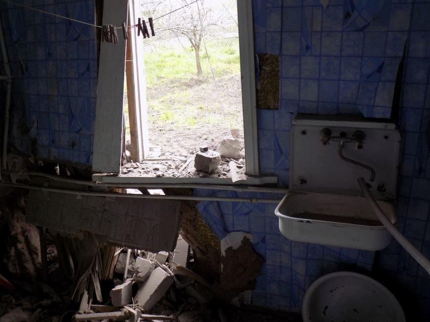 Поселок Верхняя Крынка после обстрела 5 мая (фото) (фото) - фото 9