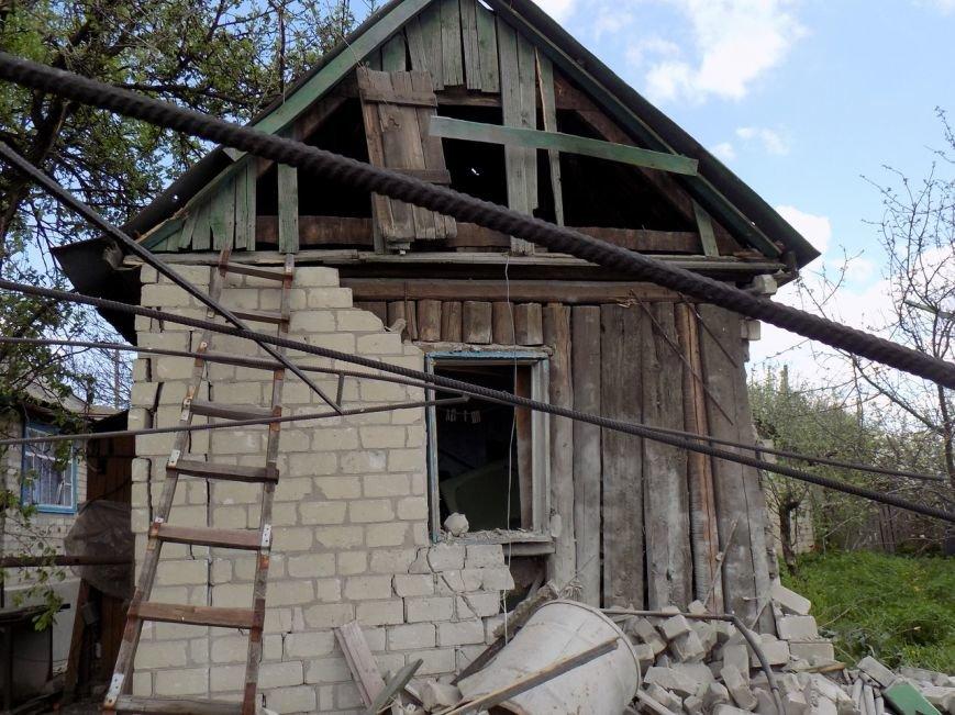 Поселок Верхняя Крынка после обстрела 5 мая (фото) (фото) - фото 7