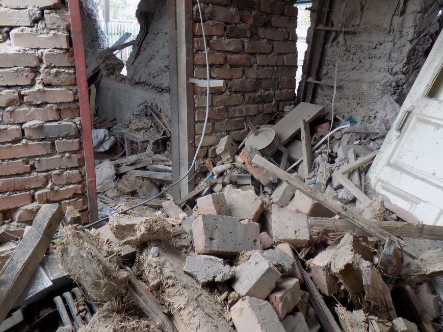 Поселок Верхняя Крынка после обстрела 5 мая (фото) (фото) - фото 3