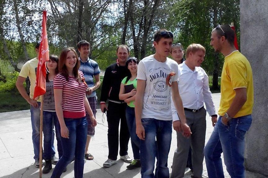 Активисты сообщества DRIVE2.ru провели акцию в честь 70-летия Победы, фото-1