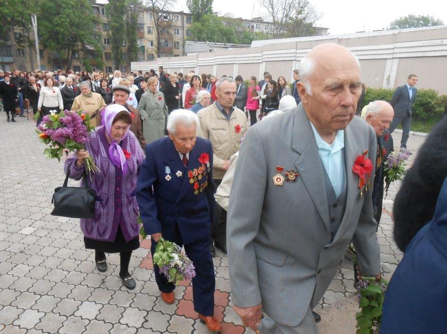 В Днепродзержинске в День Памяти и примирения почтили память погибших солдат (фото) - фото 6
