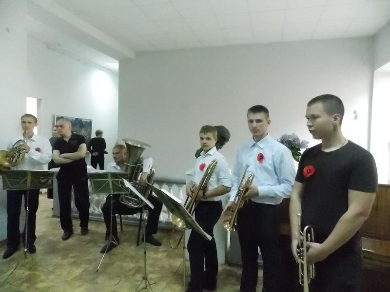 В Запорожье открылась выставка к юбилею Победы (ФОТО) (фото) - фото 3
