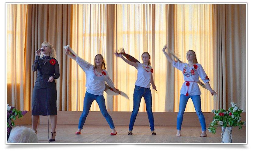 В Славянске прошёл концерт песен военных лет (видео) (фото) - фото 4