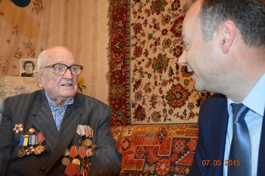 Чиновники Никополя поздравили ветеранов Великой Отечественной войны, посетив их дома, фото-3