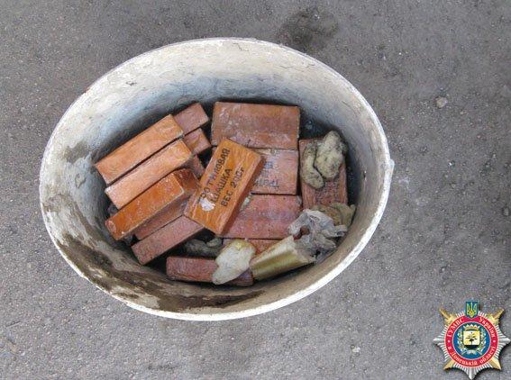 В Красноармейске задержаны военные за незаконную перевозку взрывчатки (фото) - фото 1