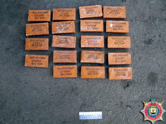 В Красноармейске задержаны военные за незаконную перевозку взрывчатки (фото) - фото 3