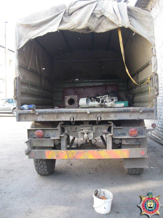 В Красноармейске задержаны военные за незаконную перевозку взрывчатки (фото) - фото 2