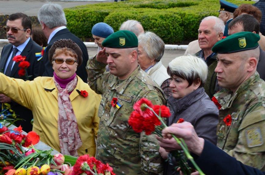 В Мариуполе чествуют ветеранов Второй мировой войны (ФОТОРЕПОРТАЖ), фото-28