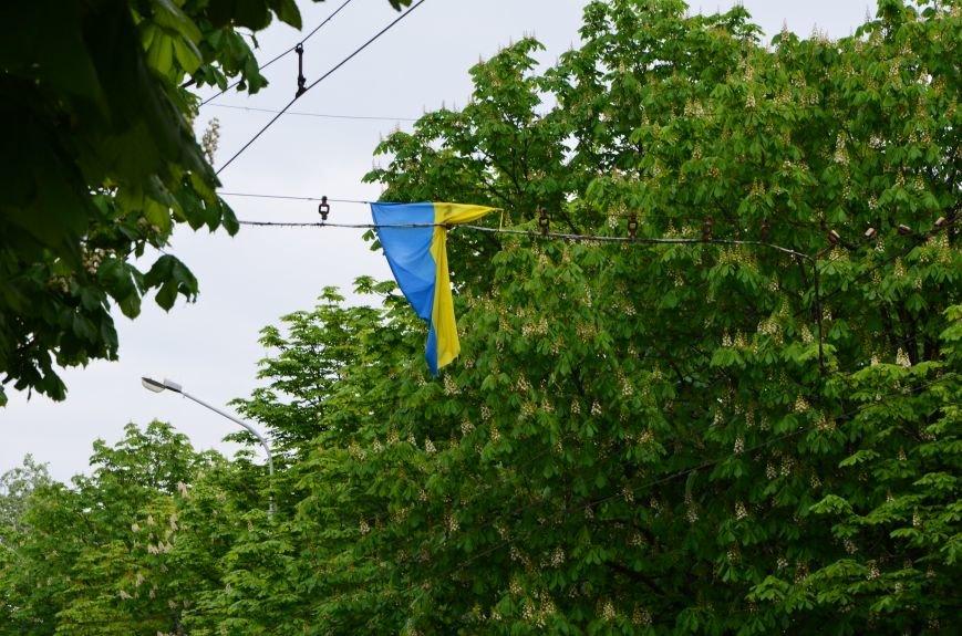 В Мариуполе украинскую символику приводят в порядок (ФОТОФАКТ), фото-3
