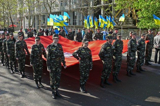 Николаевских ветеранов поздравили с Днем Победы: ярко и с размахом (ФОТО+ВИДЕО) (фото) - фото 3