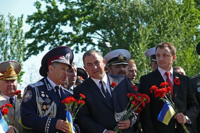 Николаевских ветеранов поздравили с Днем Победы: ярко и с размахом (ФОТО+ВИДЕО) (фото) - фото 31