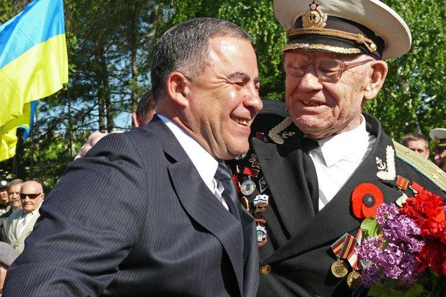 Николаевских ветеранов поздравили с Днем Победы: ярко и с размахом (ФОТО+ВИДЕО) (фото) - фото 25