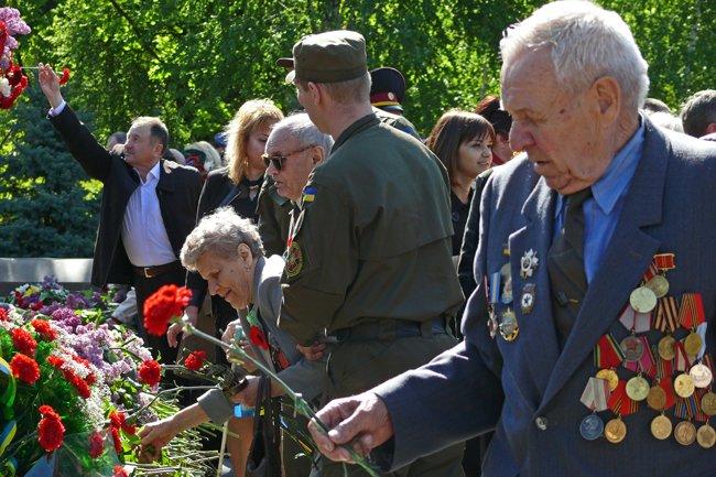 Николаевских ветеранов поздравили с Днем Победы: ярко и с размахом (ФОТО+ВИДЕО) (фото) - фото 42