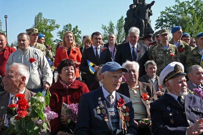 Николаевских ветеранов поздравили с Днем Победы: ярко и с размахом (ФОТО+ВИДЕО) (фото) - фото 26