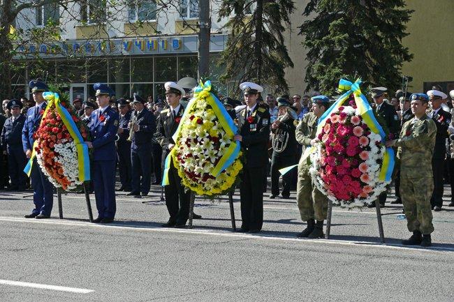 Николаевских ветеранов поздравили с Днем Победы: ярко и с размахом (ФОТО+ВИДЕО) (фото) - фото 36