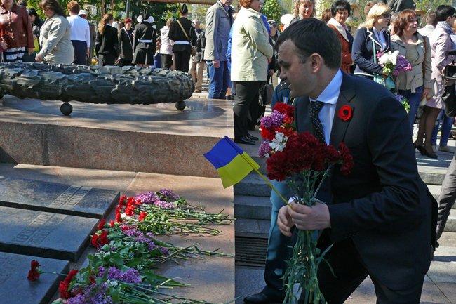 Николаевских ветеранов поздравили с Днем Победы: ярко и с размахом (ФОТО+ВИДЕО) (фото) - фото 40